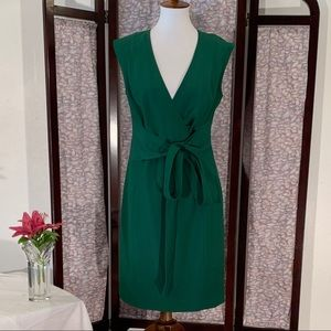 Ellen Tracy solid green sleeveless dress.